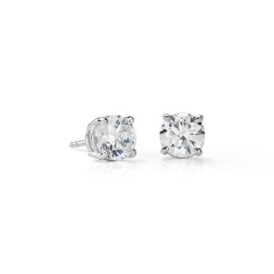 Puces d'oreilles en diamant en platine