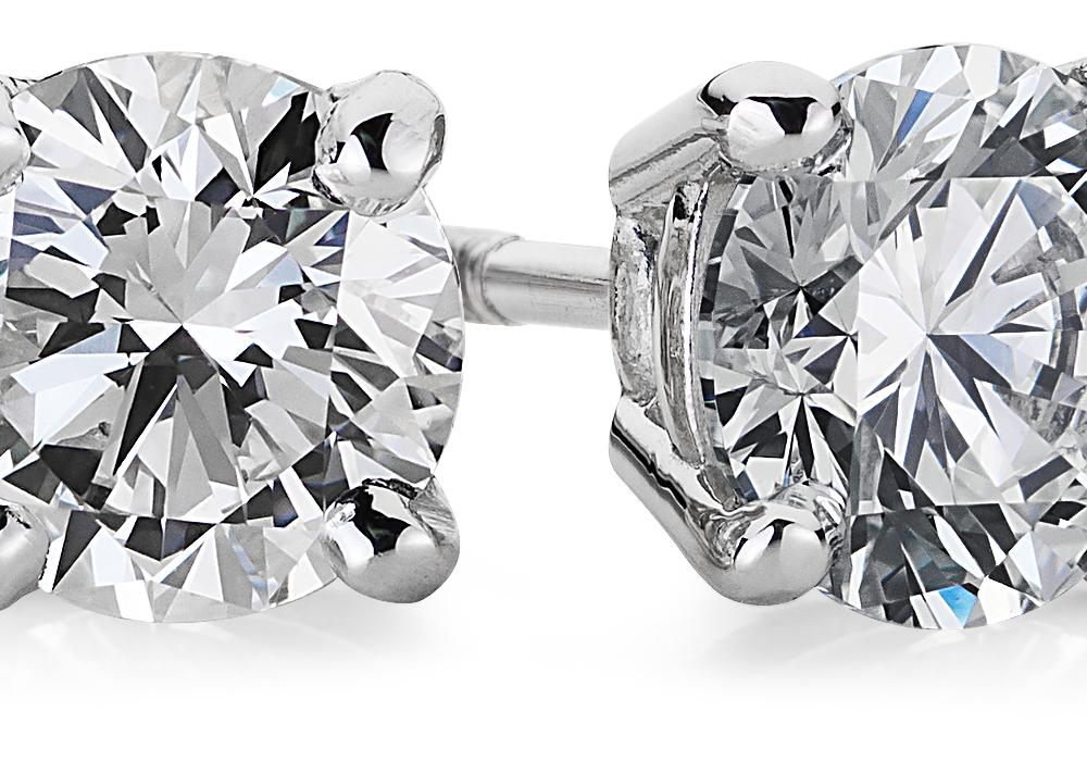 ダイヤモンドスタッドイヤリング